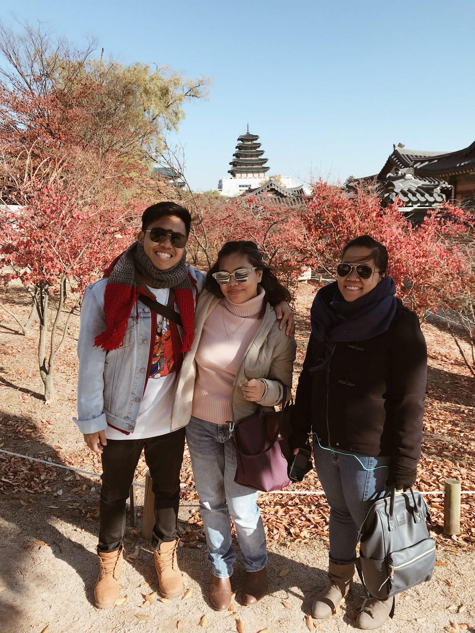 Gyeongbokgung Palace siblings